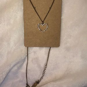 Necklace with diamond heart